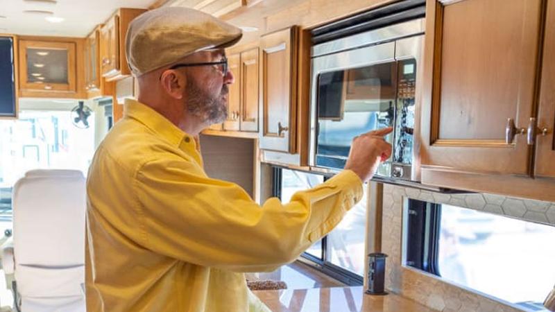 Microwave-in-a-rental-RV
