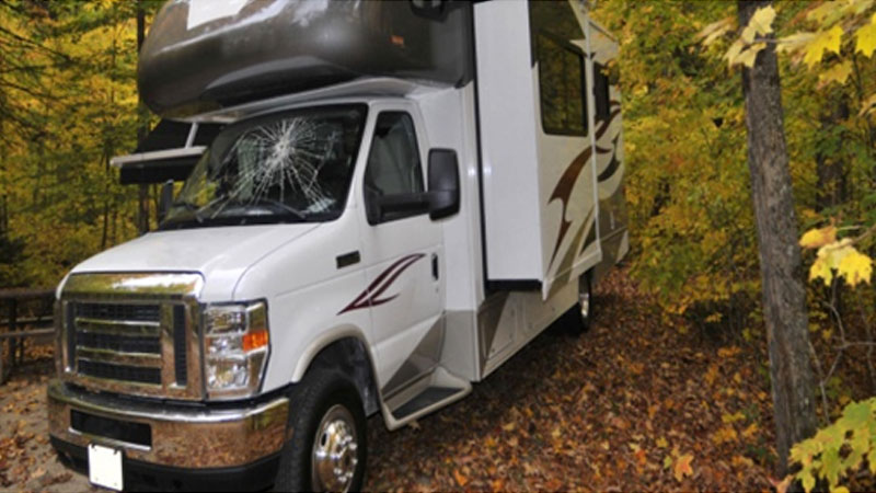 RV-windshield-cracked-during-by-rental-trip