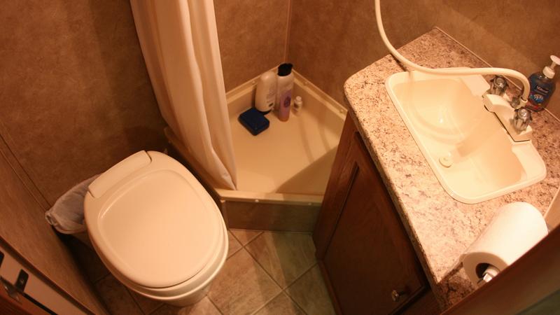 toilet-in-rental-RV
