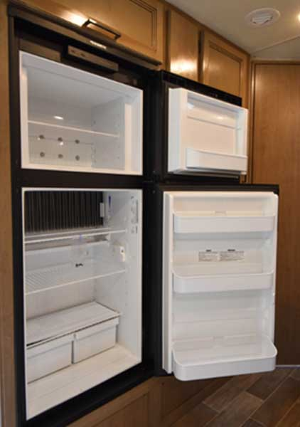 RV-Refrigerator-and-freezer